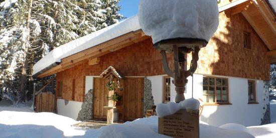 Winterparadies erleben bei einem Winterurlaub in den Almhütten Moll im Tannheimer Tal