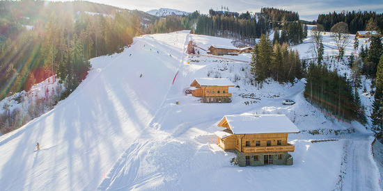 Chalets direkt an der Piste - Skiurlaub Hauser Kaibling Steiermark