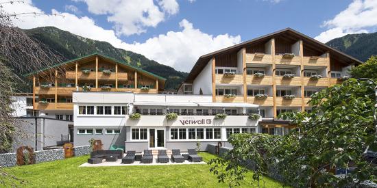 Sommerurlaub in den Tiroler Bergen im Hotel Verwall