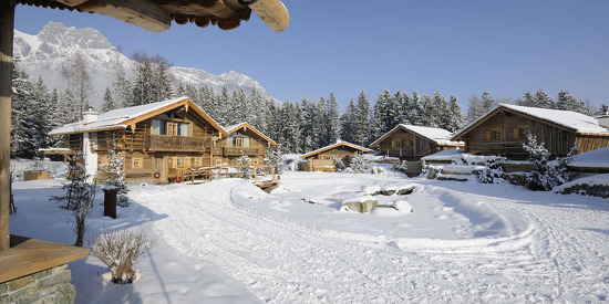 Das Chaletdorf im Winter- Bergdorf Priesteregg