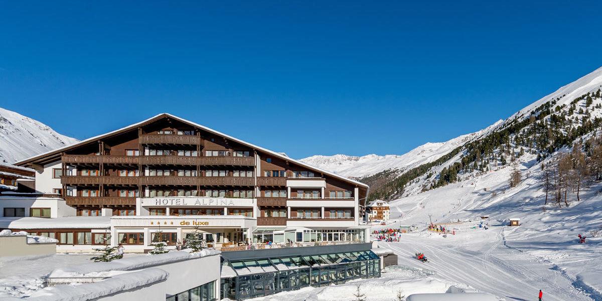Urlaub im Skihotel Alpina Deluxe direkt an der Piste