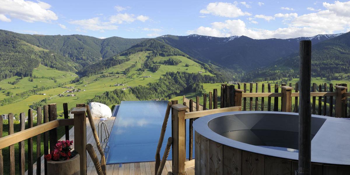 Entspannen Sie in Ihrem Premium Chalet mit privatem Infinity Pool